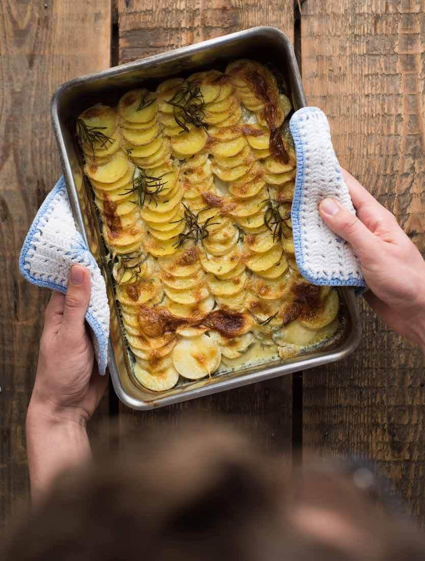 Französisches Kartoffelgratin mit Rosmarin